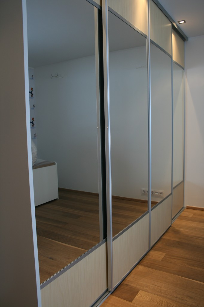 GARDEROOB           Klient - Eraklient    Materjalid - Sisu 22mm melamiin (Valge) Uksed kask ja peegel (2)