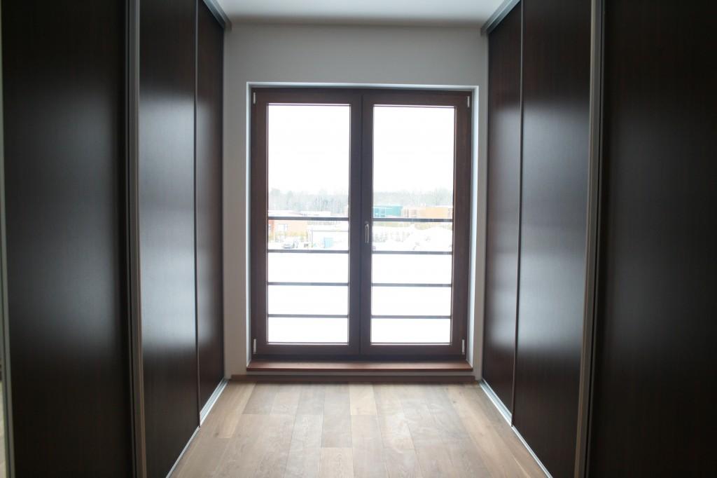 GARDEROOB           Klient - Eraklient    Materjalid - Sisu 22mm melamiin (wenge) Uksed peegel ja wenge