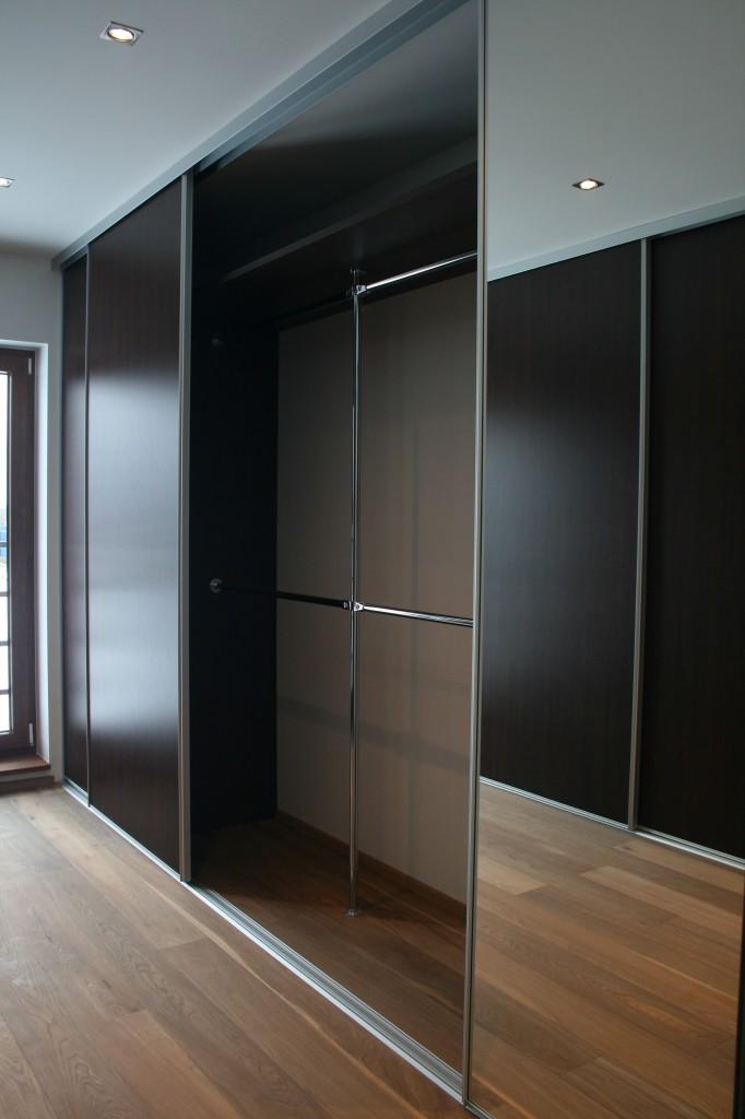 GARDEROOB           Klient - Eraklient    Materjalid - Sisu 22mm melamiin (wenge) Uksed peegel ja wenge (3)
