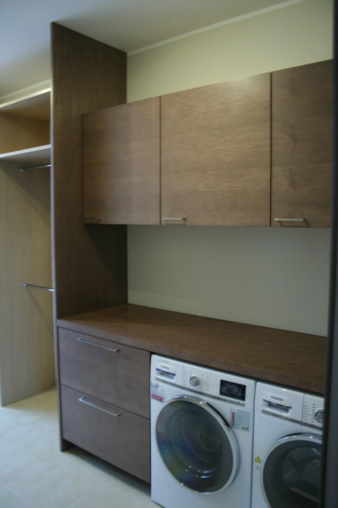 GARDEROOB           Klient - Eraklient    Materjalid - Uksed ja tööpind viimistletud saare spoon, karkass 16mm ja 22mm melamiin (Saar) (3)