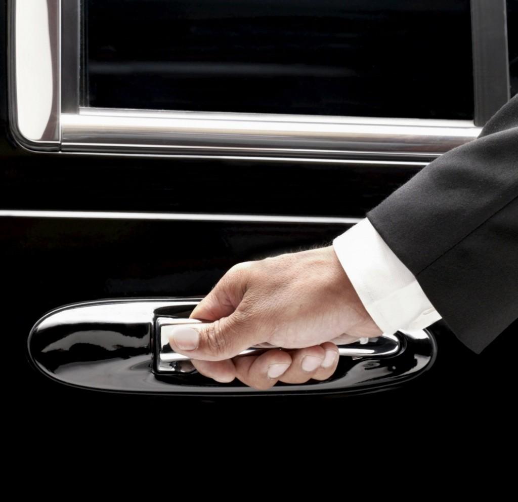 Transfeer bussi rent juhiga